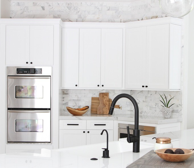 White Kitchen Faucet black beauties: a look at black facuets