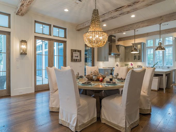 southern beach house dining room