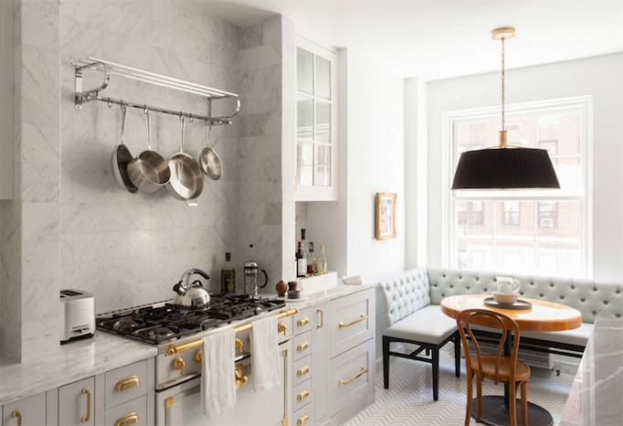 marble black and brass kitchen