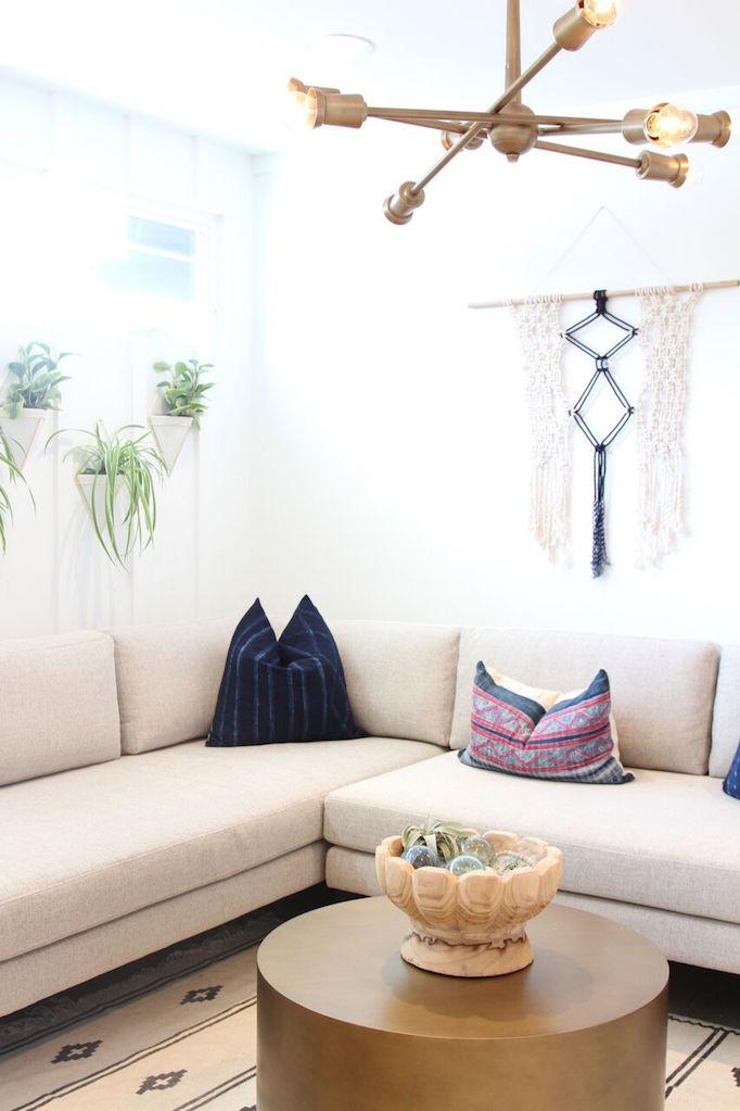 gorjana-lounge-corner