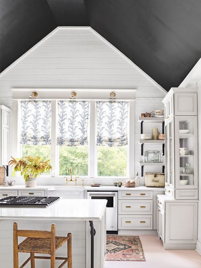 black-ceiling-kitchen