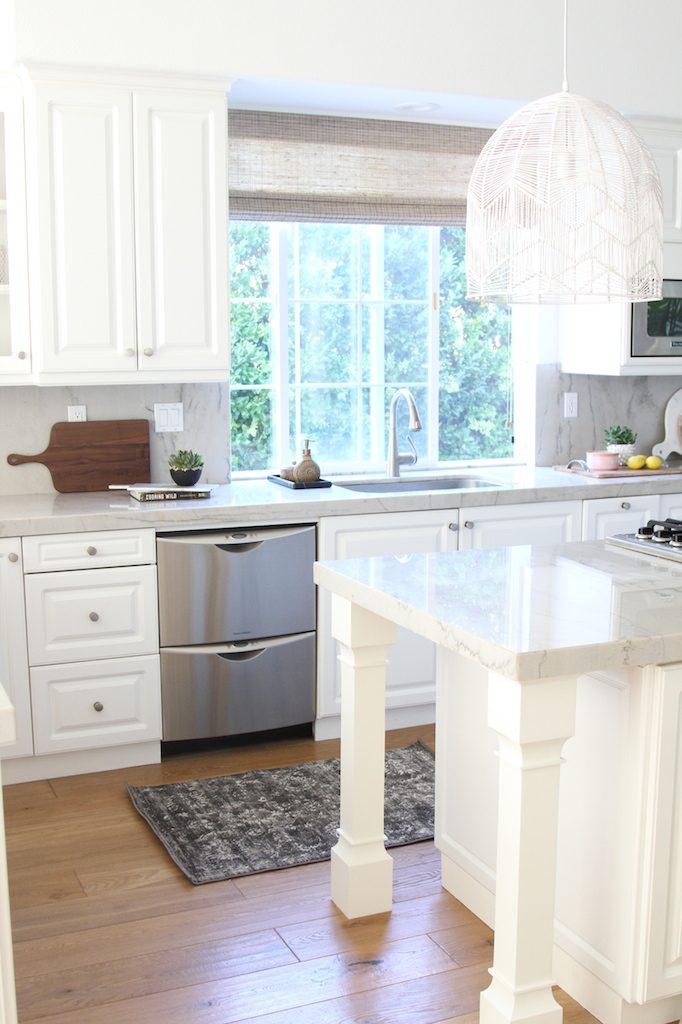 las-palmas-kitchen-becki-owens-charcoal-rug