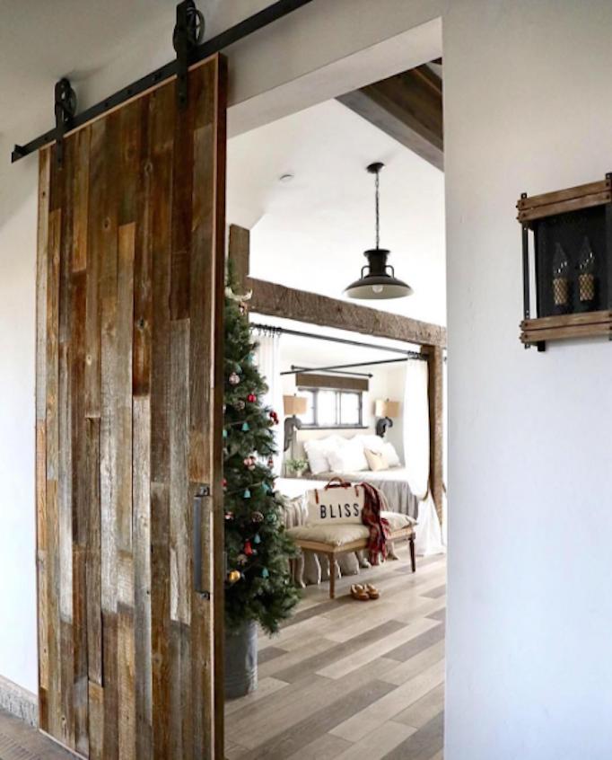white-shanty-barn-door-2