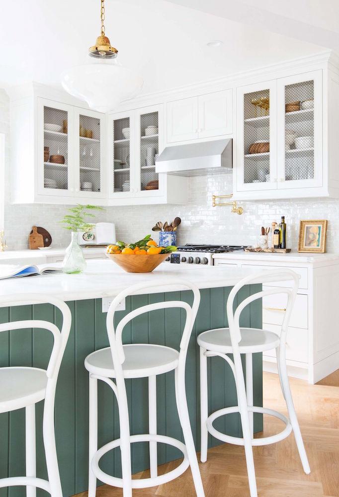 emily-henderson_frigidaire_kitchen-reveal_waverly_english-modern_edited-beams_15-1024x15022x