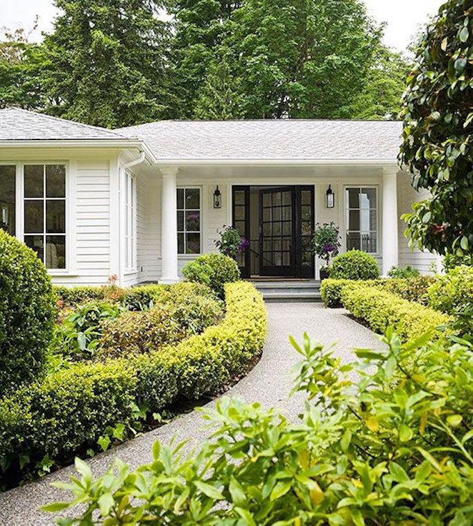 BECKI OWENS Spring Home Exteriors5